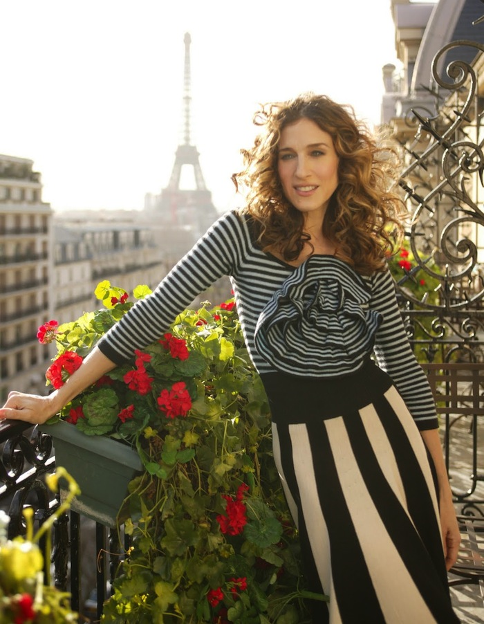 Carrie-Bradshaw-Paris-Stripes